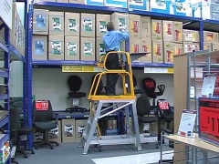 StockMaster Lift-Truk order picking ladder - selecting goods